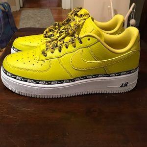 Nike Air Force 1 yellow/green